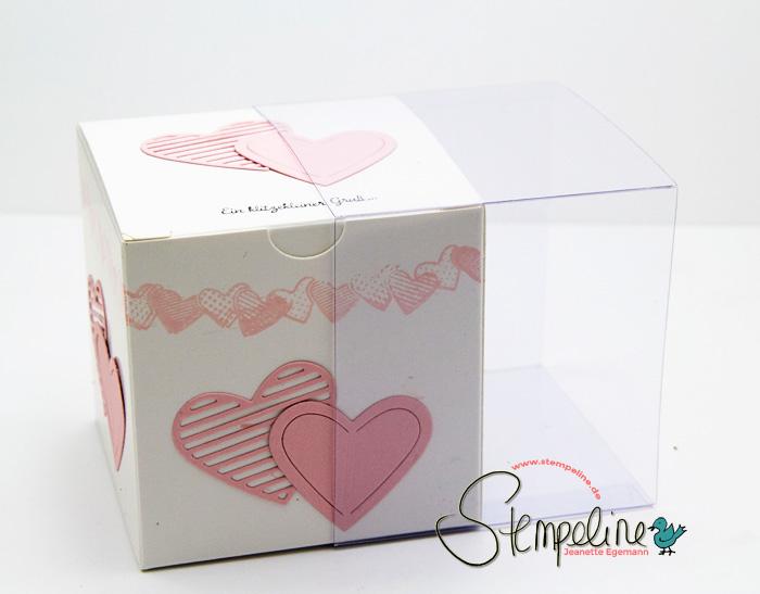 Mit-Gruss-und-Kuss-Schachtel