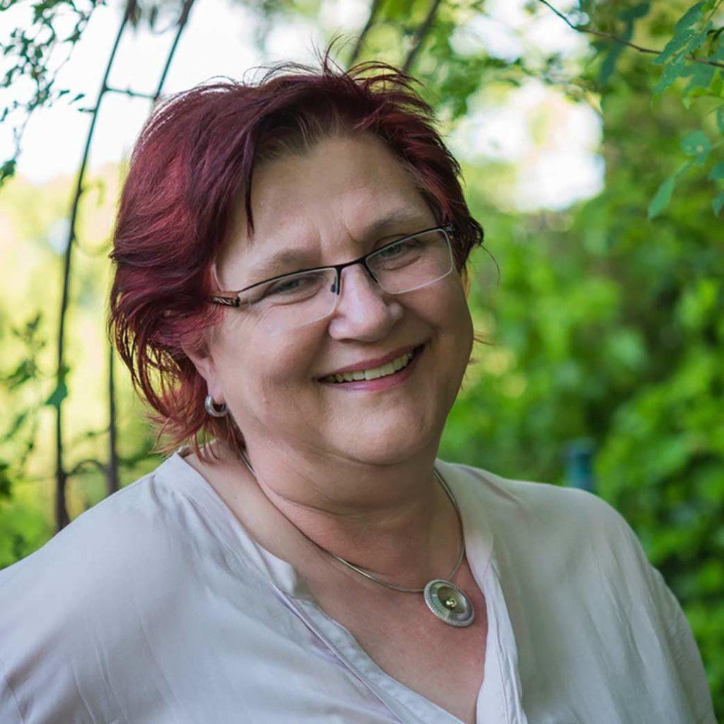Corina Elbert